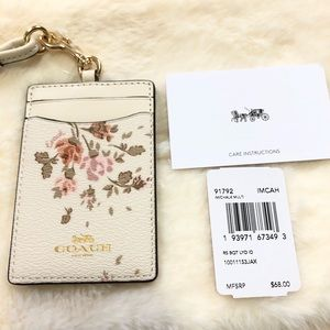 💐 Coach Id Lanyard With Rose Bouquet Print💓💐
